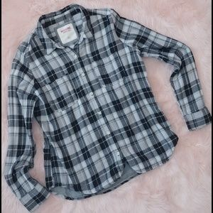 Sale 💰 mossimo plaid flannel black and white